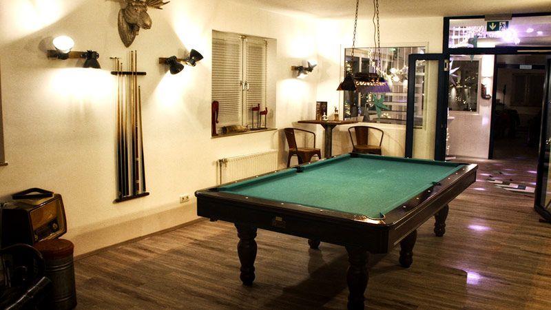 Billard-Lounge
